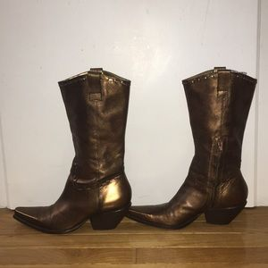 Adorable bronze cowgirl boots